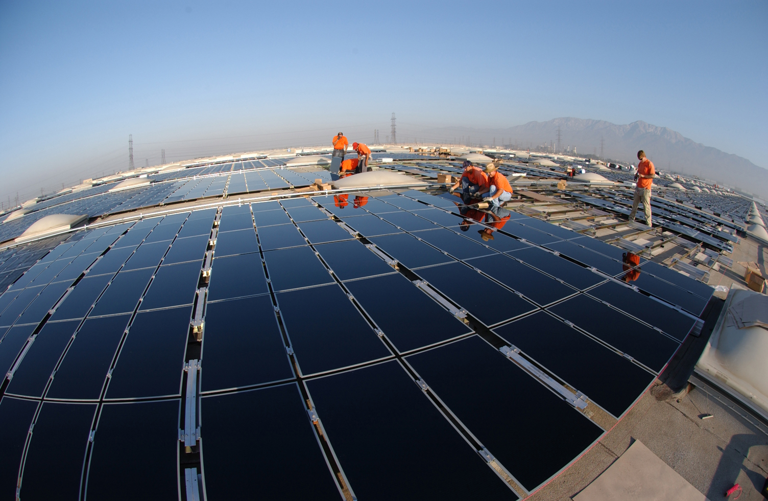 SCE Starts Second Rooftop-Solar Installation, Awaits PUC Decision