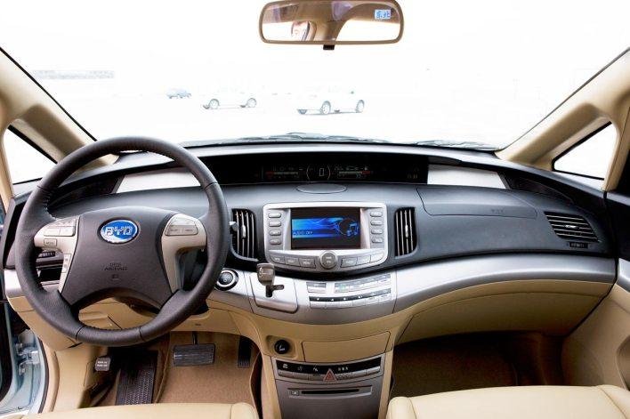 BYD's electric minivan