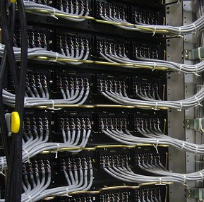 How Data Centers Can Follow Energy Prices to Save Millions