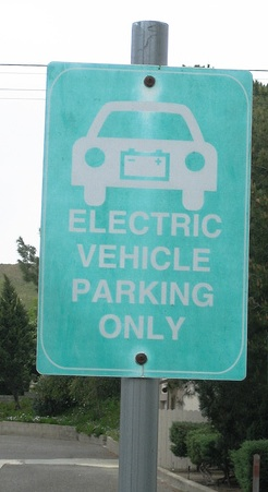 Why Electric Vehicles Need IT
