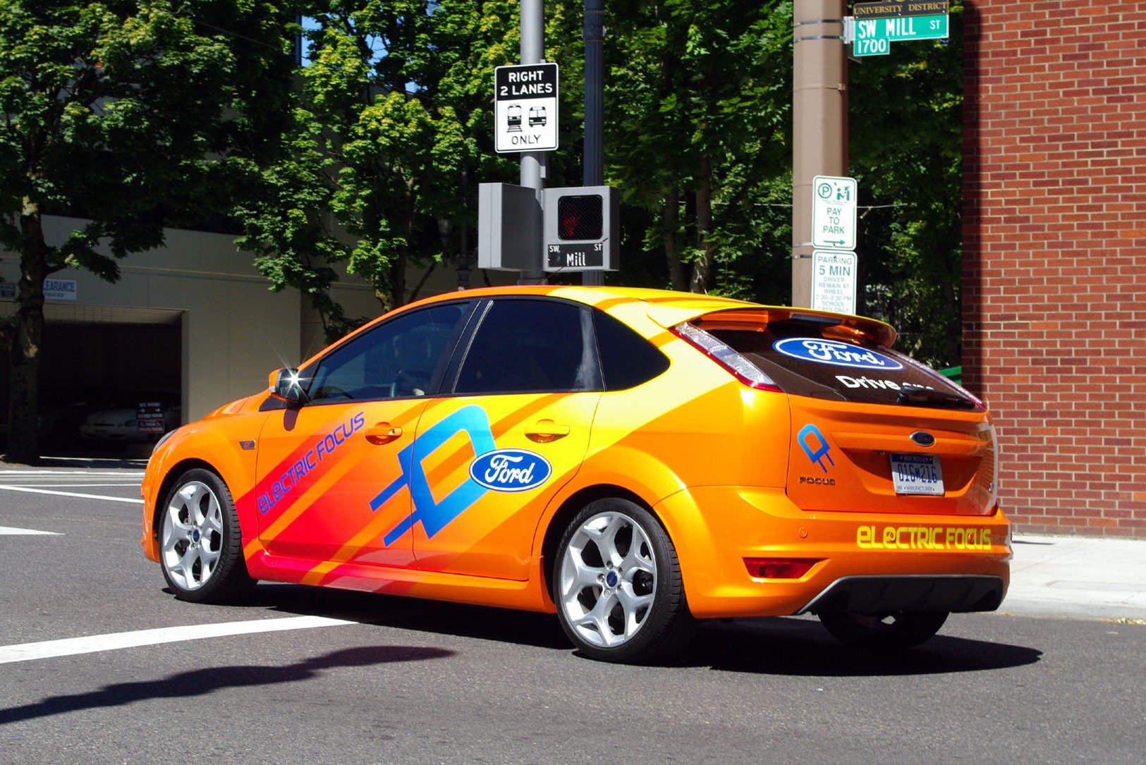 Ford Embracing Utilities to Boost Electric Car Network