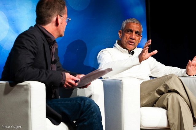 Vinod Khosla speaking at Green:Net 2010.