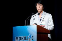 Daren Tsui on stage at Mobilize 2009