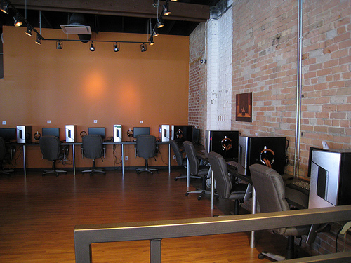 Gaming cafe business plan: How to start a gaming business?
