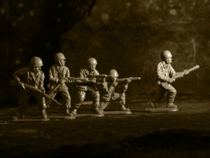 1244833_plastic_toy_soldiers