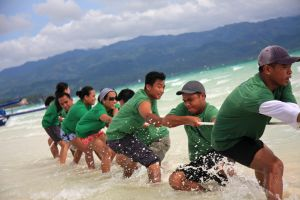 1083541_tug_of_war