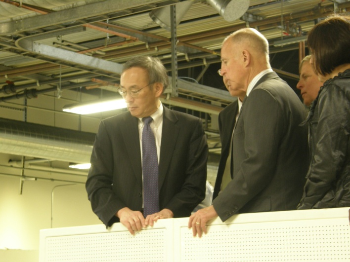 Chu & Brown on the solar factory tour