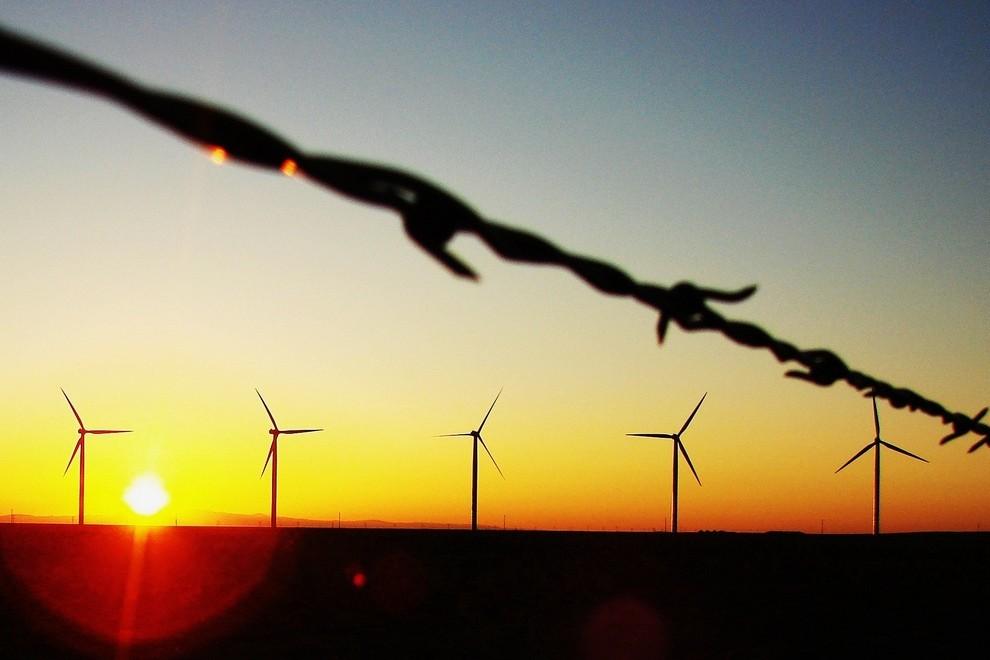 WindTurbines_BarbedWire_Sun