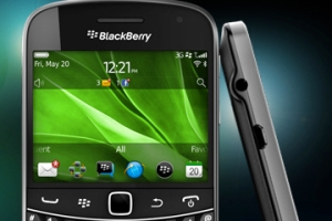 blackberry-touchbold-featured