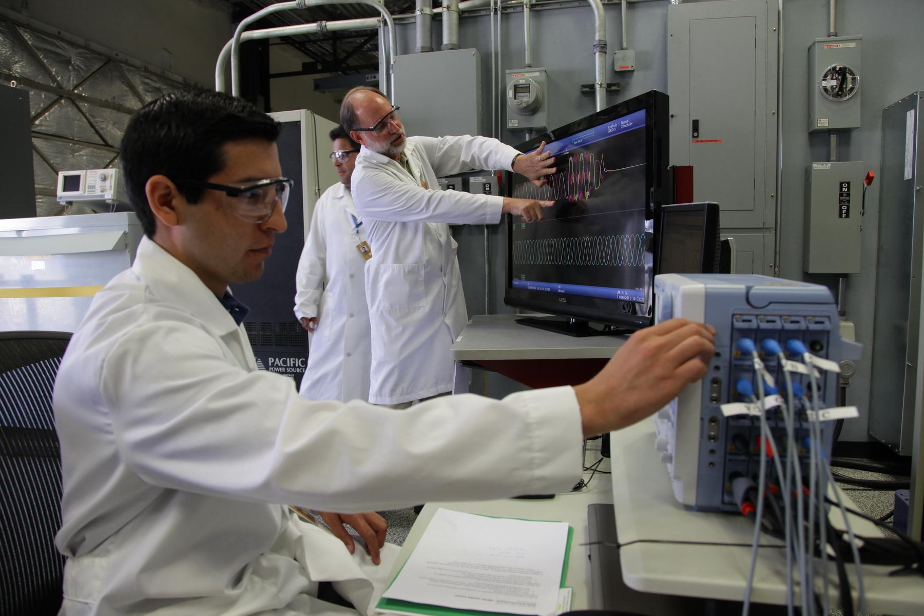 Monsht lab personnel