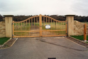 Security_Gate_-_geograph.org.uk_-_84112
