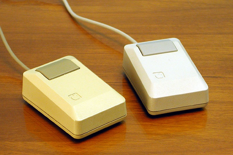 Apple_Macintosh_Plus_mouse