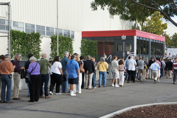 Customers lined up at the Tesla Model S Beta event