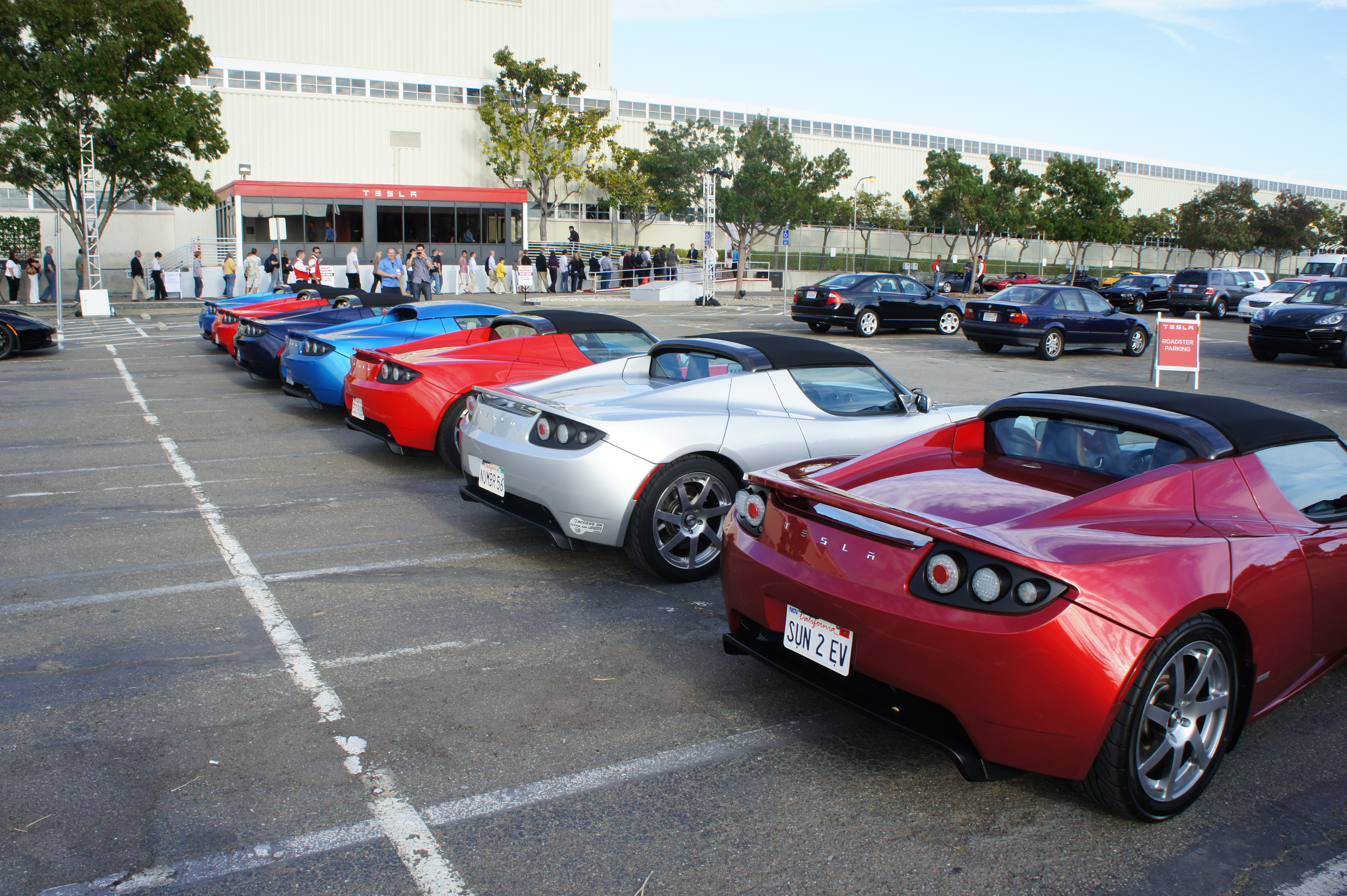 Roadsters lined up outside of the Model S Beta Customer event