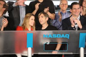 Zynga CEO Mark Pincus and his wife Alison ringing the NASDAQ opening bell