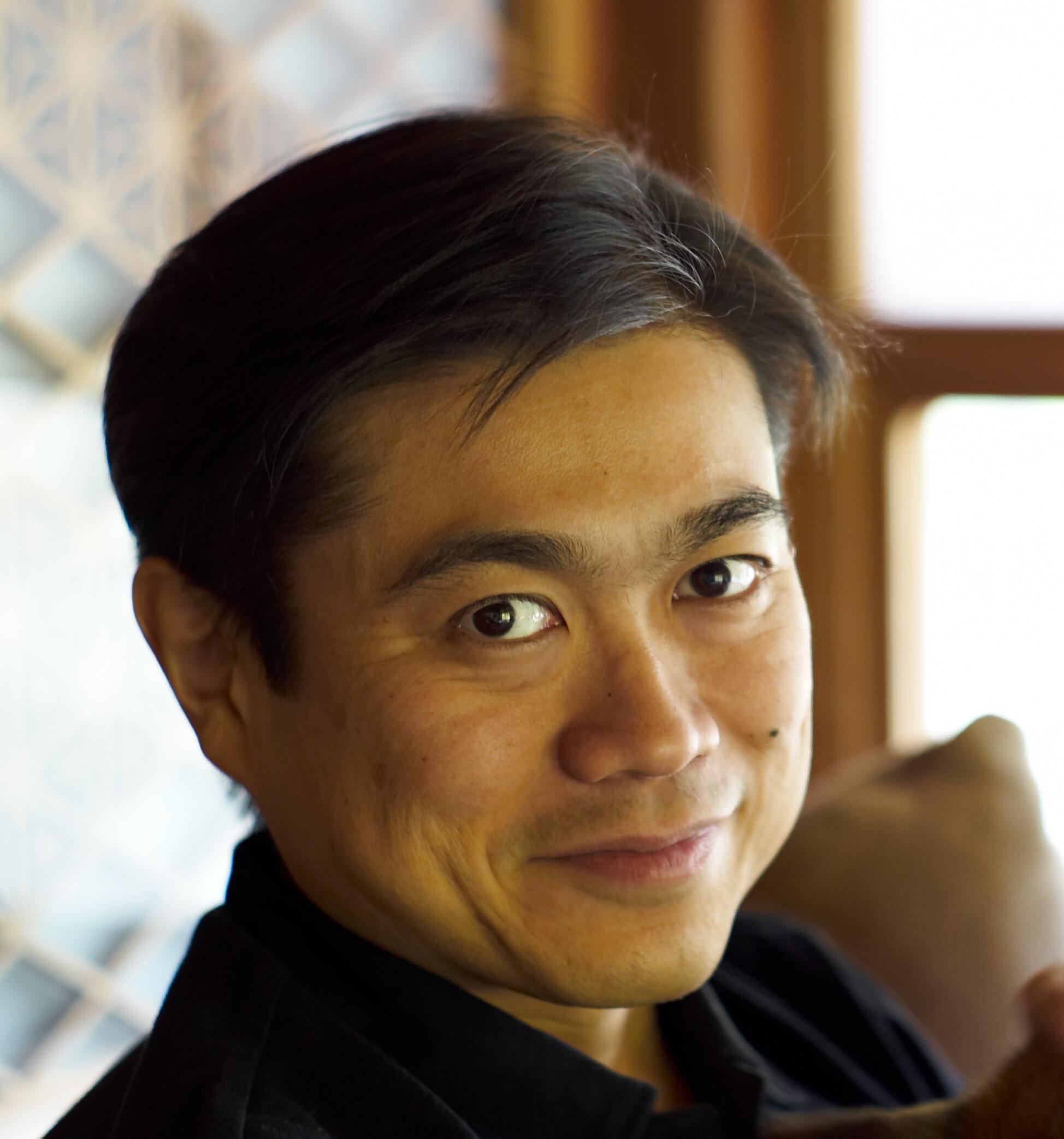 Joichi_Ito_Headshot_2007