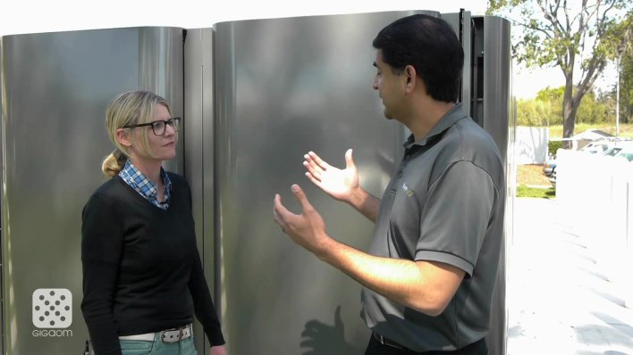 Katie Fehrenbacher interviewing Bloom Energy exec Asim Hussain. Image courtesy of Gigaom.