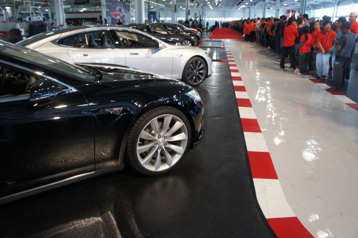 Line of the first Model S cars