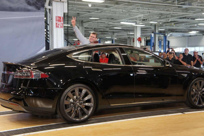 Model S driving off to Chicago