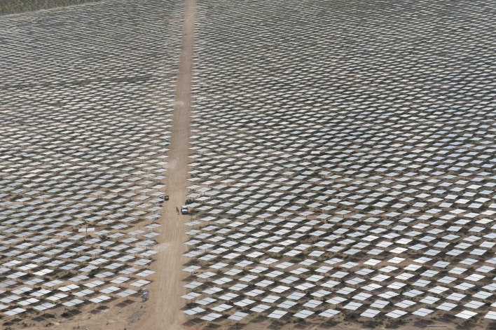 Sea of heliostats at Ivanpah 1