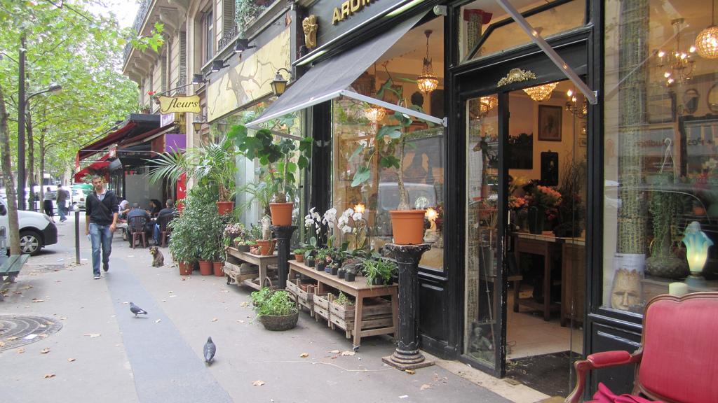 local business flower shop Paris corner store