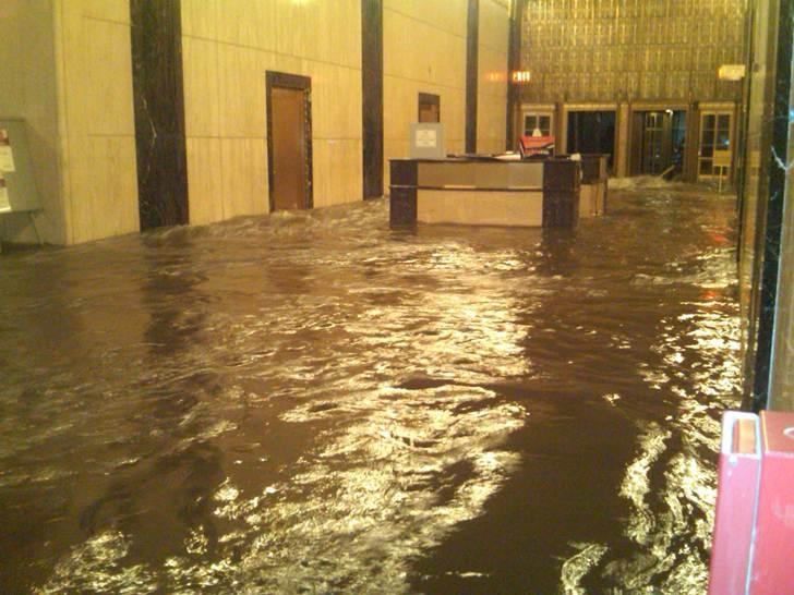 Lobby at Verizon office at 140 West Street, New York post-Sandy