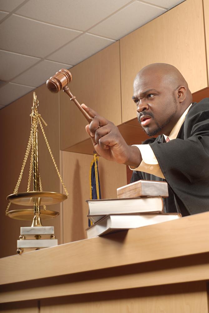 judge banging gavel