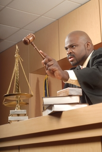 judge banging gavel