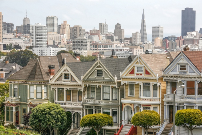 painted ladies San Francisco row houses neighborhood