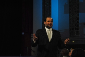 salesforce marc benioff hands open 4