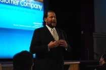 salesforce marc benioff hands together
