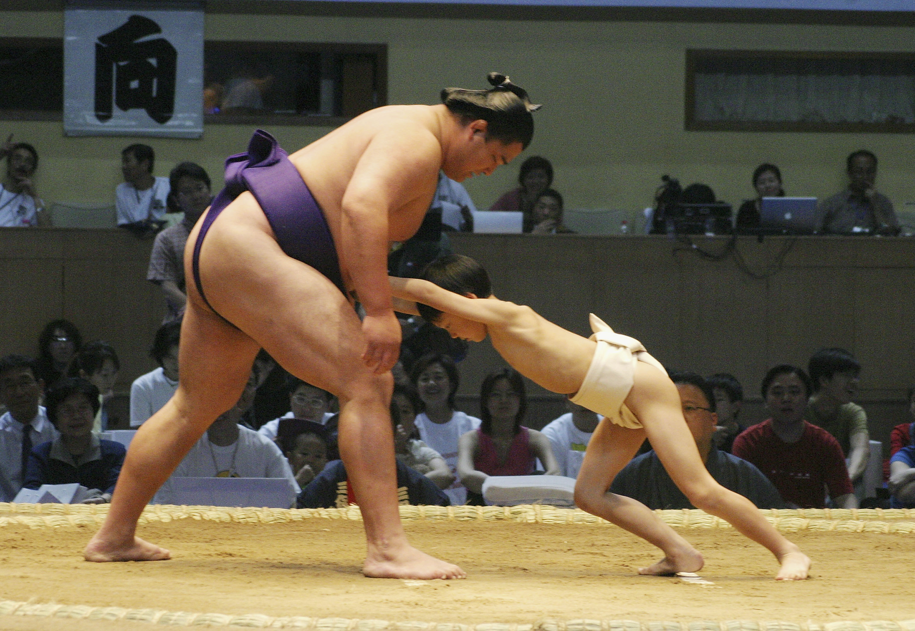 Sumo Westlers Compete In Bejing For First Time In 30 Years