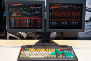 bloomberg-terminal-old-school