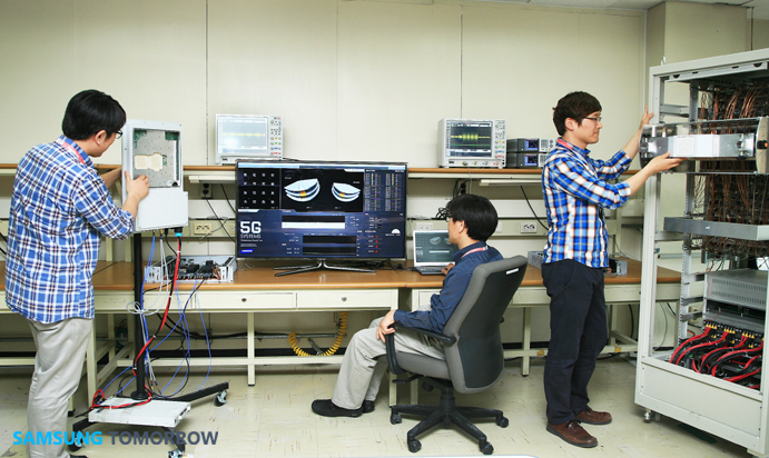 Samsung researchers testing   millimeter wave technologies (Source: Samsung)