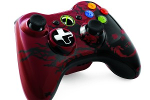 gow3_controller_angle_right_tif_jpgcopy