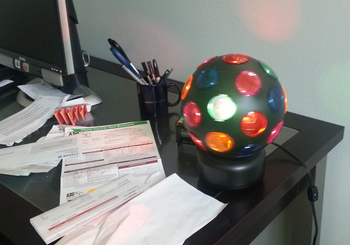 Hi, honey, Im home. This office lamp turns on when my husbands car pulls into the garage.