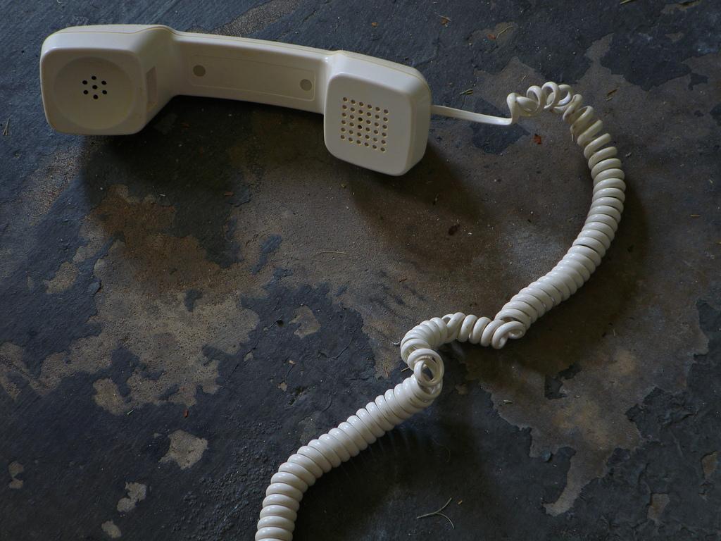 telephone headset dno1967b flickr 6066015622_d9180bd1b4_b