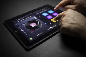 djay iPad Photo 1