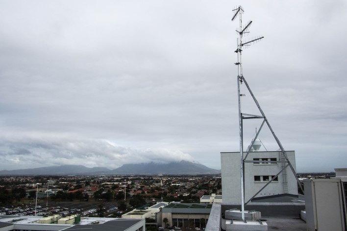 The transmitting antennas positioned on top of Stellenbosch University's Faculty of Medicine and Health Sciences.