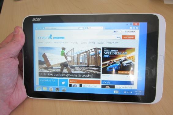 Iconia W3 in Desktop mode