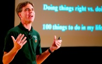 "Pausch reprising his ""Time Management"" talk in 2007."