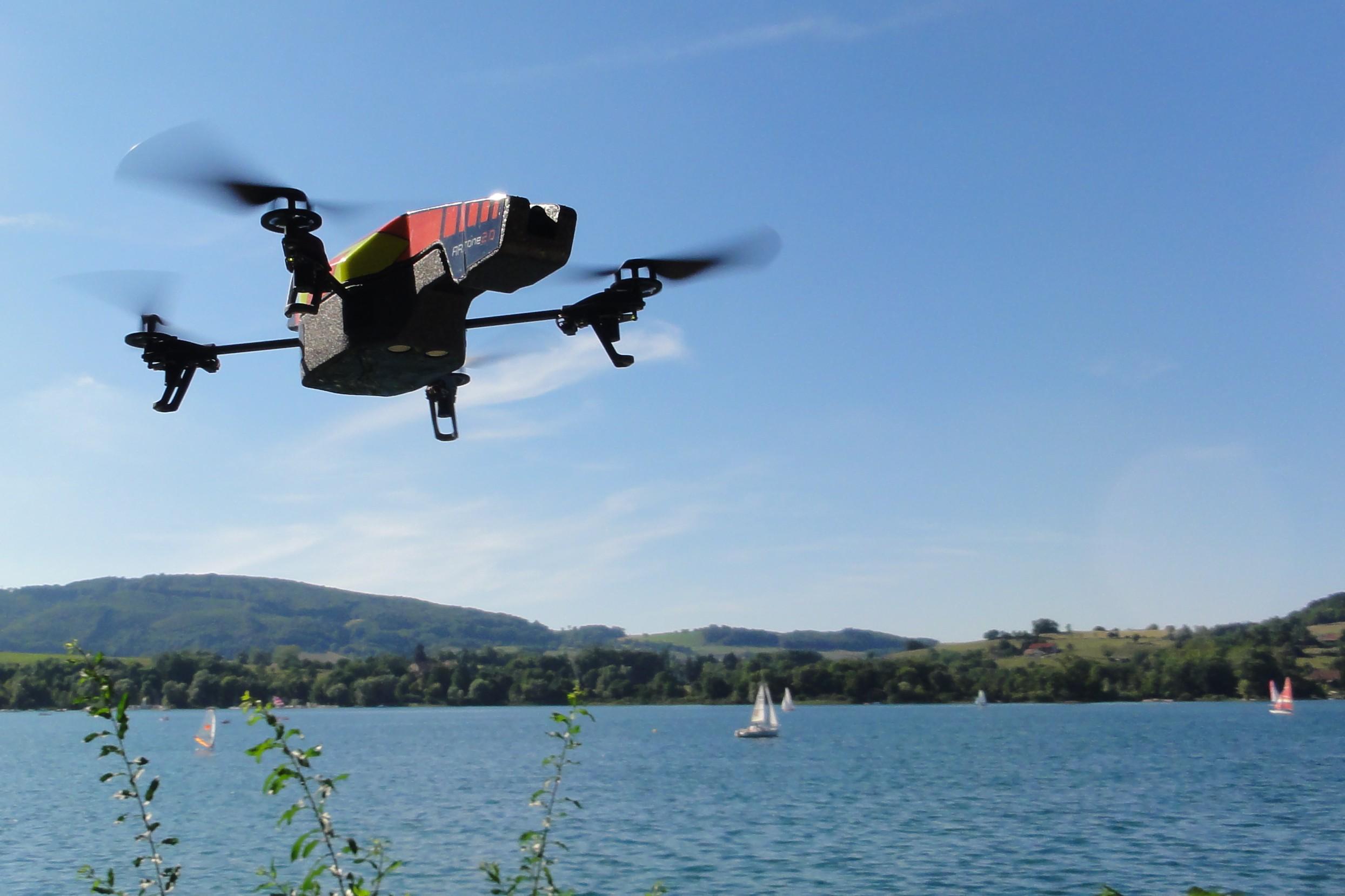 Parrot_AR.Drone_2