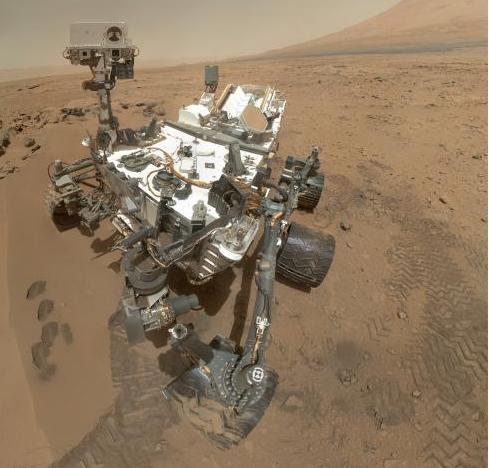 Curiosity rover self portrait
