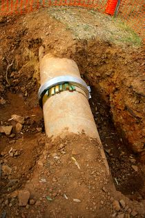 398px-Concrete_water_pipe