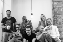 Jumpstarter team in sofa-bw