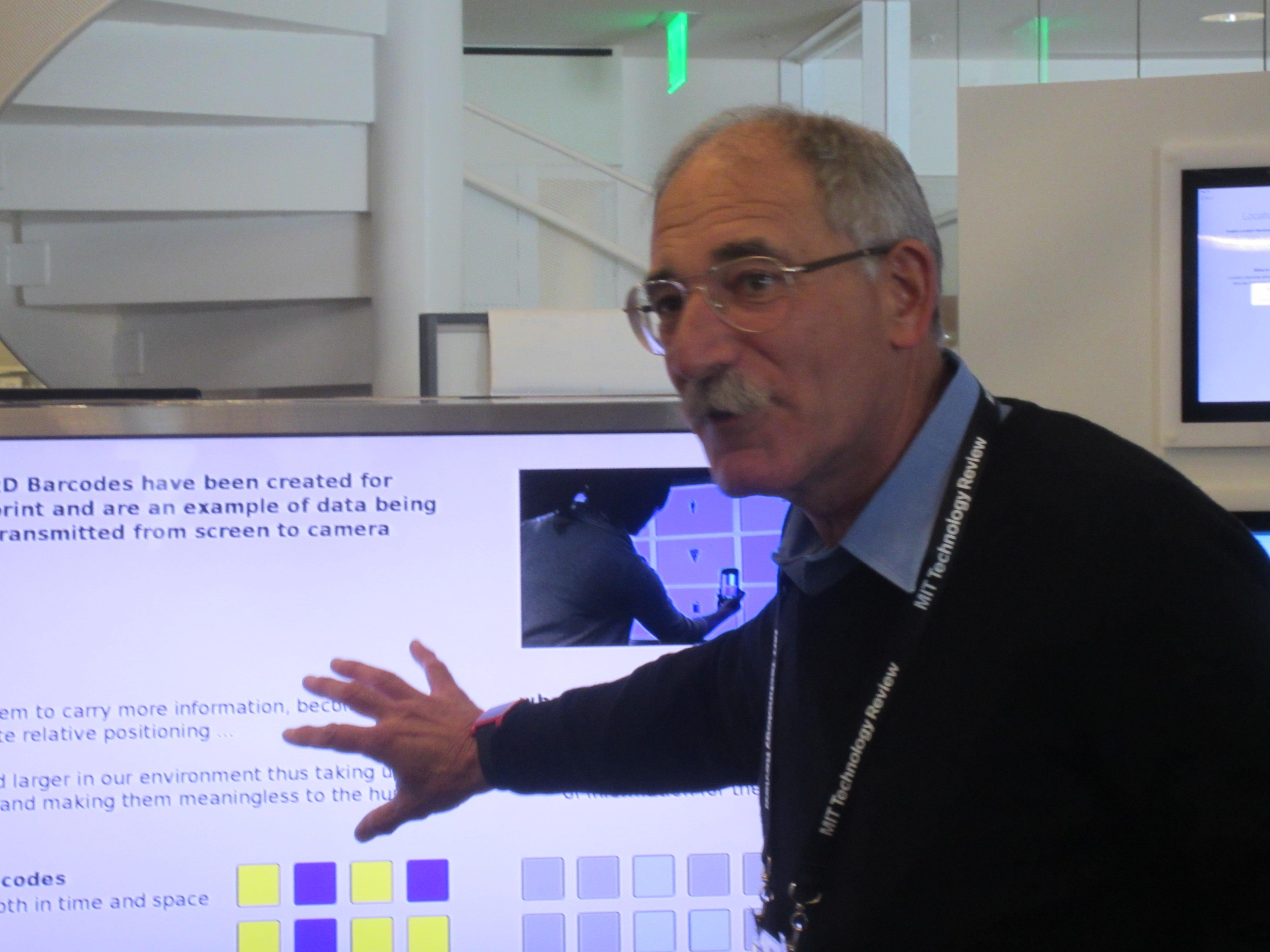 Andrew Lippman describes VR code.