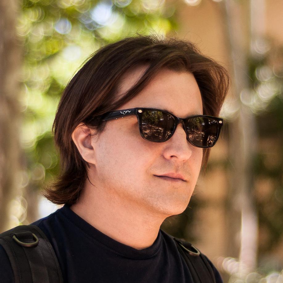 Ion Glasses co-founder Santiago Ambit