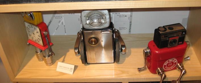 toy_robots_skinny