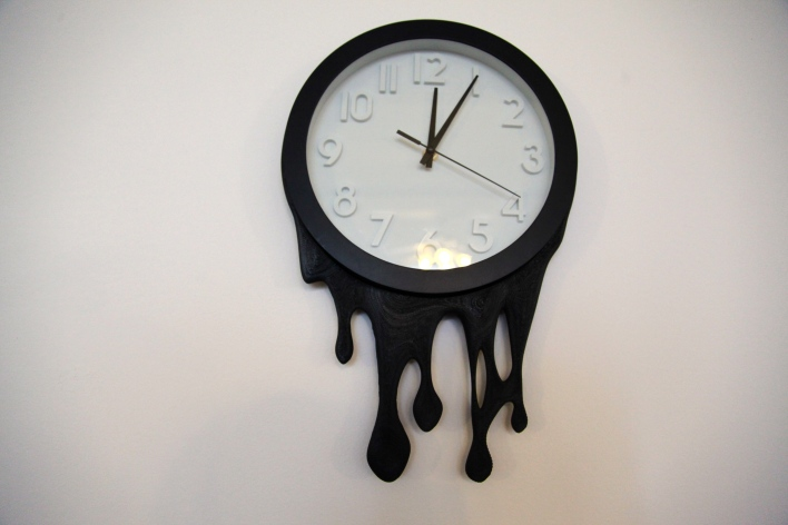 A clock case 3D printed on a gMax. Photo by Signe Brewster