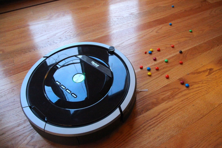 The Roomba 800 series. Photo by Signe Brewster.